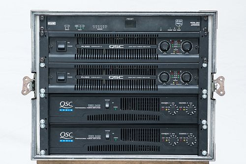 Qsc Amp Rack with Rane Processor Large